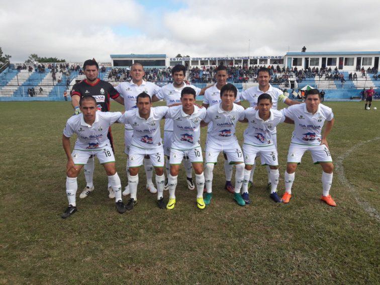 El Deportivo Caaguazú perdió ante el colero en la Intermedia