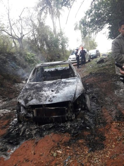 Hallan vehículo incinerado en Caaguazú