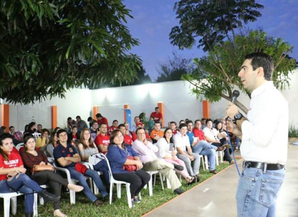 Marcelo Soto se reunió con Jóvenes en Caaguazú